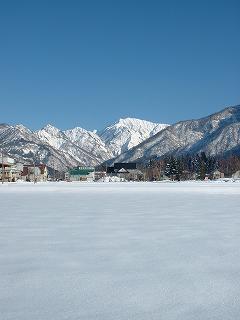 駒ケ岳の雪景色と雲ひとつない快晴の空